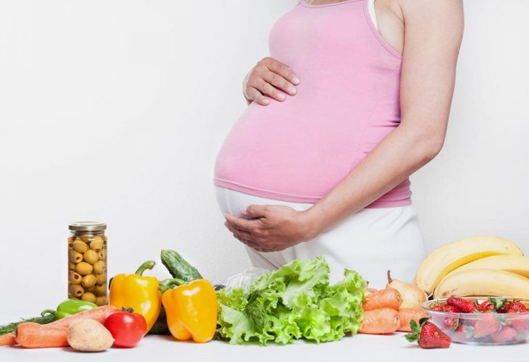 What a pregnant woman should eat?